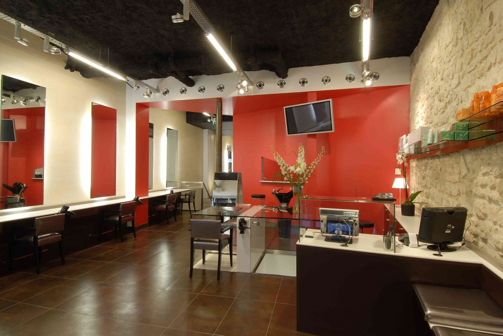 SALON MH COIFFURE-red