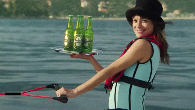 james-bond-girl-in-heineken