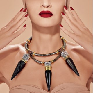 louboutin-collier-rouges