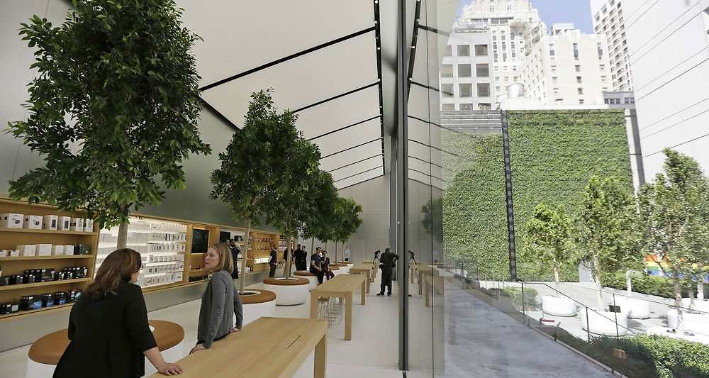 apple-store-a-san-francisco