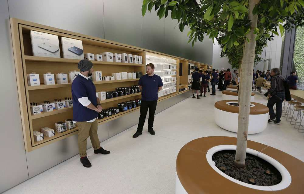 mobilier-retail-apple-bois